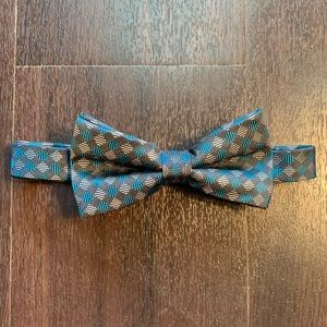 NWOT Wembly Adjustable Bow Tie